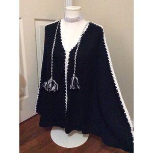 ⭐️NWT⭐️ Brand New! Boho Chic Sweater Top size M/L